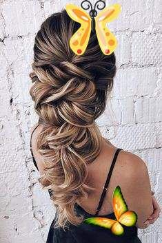 Classic Wedding Hairstyles: 30 Timeless Ideas | Wedding Forward  <br> We have classic wedding hairstyles for every theme and taste. If you've been dreaming of a timeless fairytale wedding, here's an inspiration. Classic Wedding Hair, Long Hair Wedding Styles, Wedding Hairstyles For Long Hair, Braids For Long Hair, Bride Hairstyles, Straight Hairstyles, Trendy Wedding, Elegant Hairstyles, Hairstyle Ideas