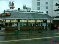 Kelly's-Revere Ma.   Best fried clams eva!