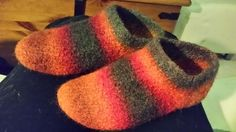 Knitted Slippers, Knit Crochet, Socks, Knitting, Bags, Tutorials, Projects, Handbags, Log Projects