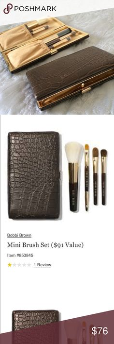 Bobbi Brown brush set The mini set contains a face blender, concealer blender, eye shadow and a dual-ended eye liner/ ultra-fine eye liner brush. Use the case alone for credit cards and gloss as a gorgeous clutch! Brand new, sealed. Sephora Makeup Brushes & Tools