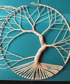 Fantastic Photo Macrame Patterns tree of life Concepts Find out everything you should understand to develop amazing macrame projects. Macrame Wall Hanging Patterns, Macrame Art, Macrame Projects, Free Macrame Patterns, Crochet Dreamcatcher, Tree Of Life Artwork, Tree Of Life Painting, Dream Catcher Patterns, Dream Catcher Craft