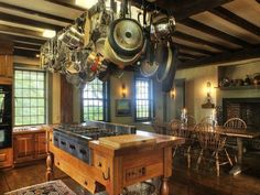Related posts: Dream spaces for gourmets (2) Tips for farmhouses' kitchen islands (2) Vancouver French chateau beyond compare for sale Tony contemporary loft in Union Square, New York