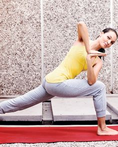 3 Detoxifying Yoga Moves  The postures feature twisting movements that massage the internal organs—liver, kidney, gallbladder, to name a few—and encourage deep breathing.