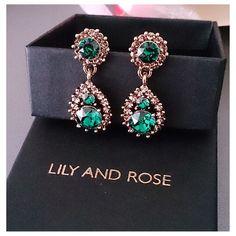 Green is lean  #regram @caroline_just  www.lilyandrose.se  #lilyandrose #lilyandrosebyzetterberg #swarovski #jewellery #swarovski #summer