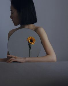 Intimacy in the Reflection a look at Photos by Ziqian Liu Studio Portrait Photography, Creative Fashion Photography, Mirror Photography, Concept Photography, Photo Portrait, Photography Articles, Fashion Photography Inspiration, Creative Portraits, Photography Projects