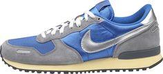 Nike Air Vortex Vintage    Nel 1985, Nike introduce la serie V con i modelli Vengeance, Venture e Vortex. La Vortex presenta un'ammortizzazione ottimale. Ora, alcuni decenni dopo, la rivoluzionaria serie V è tornata, celebrando il successo del passato e aprendo la strada a nuovi successi futuri.    Tomaia in nylon per garantire leggerezza ed eleganza.