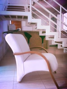 White on white - living room stairs - design - Brazil