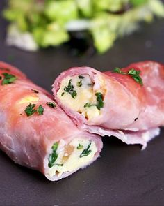 Omelette roulée au jambon - The Best For Dinner For Two Recipes Cooking With Kids Easy, Cooking Recipes For Dinner, Easy Meals For Kids, Healthy Breakfast Recipes, Easy Healthy Recipes, Cooking Bacon, Vegetarian Cooking, Healthy Cooking, Omelettes