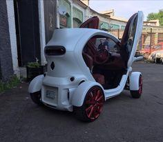 В Украине электромобиль Renault Twizy превратили в гламурный болид   AutoDriving.net