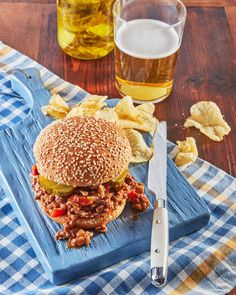Best-Ever Easy Sloppy Joescountryliving Bacon Recipes, Salad Recipes, Dishes Recipes, Easy Recipes, Pre Prepared Meals, Homemade French Fries, Cucumber Tomato Salad, Sloppy Joes Recipe