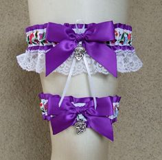 Dia de los Muertos Garter Set with Skeleton Charms / 12 color options available / Day of the Dead Floral Folk Art Sugar Skull Wedding Prom - My Sugar Skulls Sugar Skull Wedding, Mexican Skulls, Sugar Skull Art, Garter Set, Day Of The Dead, Folk, Floral, Clothing, Inspiration