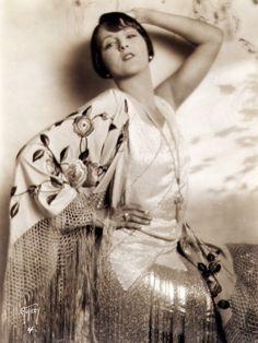 Lia Tora 1920-1930