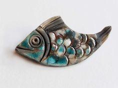 Broche bleue et blanche comme un poisson dans l'eau : Broche par carbassou