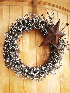 RUSTIC COUNTRY PRIMITVE Star Wreath-Creamy Antique White Grapevine Wreath-Berry Door Wreath-Scented Cinnamon Vanilla