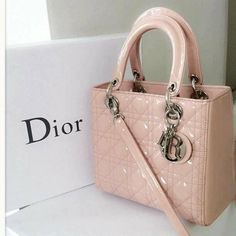 Stay 'lady like with Dior pink purses this season; by Dior fashion glam bags you are going to be gorgeous. Christian Dior 'Lady Dior' pink handbag is the one Hermes Handbags, Fashion Handbags, Purses And Handbags, Fashion Bags, Hermes Bags, Valentino Handbags, Fashion Purses, Ladies Handbags, Dior Fashion
