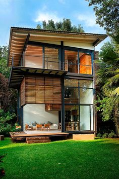 Ber ideen zu holzhaus auf pinterest h user for Holzhaus modern einrichten