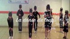 danse loup maternelle - YouTube