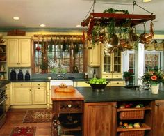 Image of: Small Kitchen Farm Country Designs
