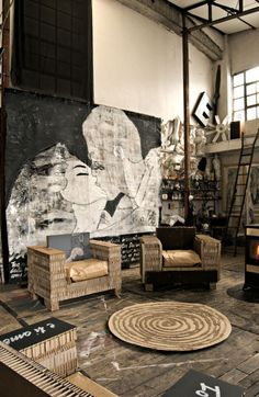 LOVE the gigantic canvas!    passionforhomedesign:  ΠΟΛΙΤΕΙΑ on We Heart It - http://weheartit.com/entry/40544430/via/patriciebendova
