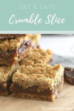 Classic Oat & Date Crumble Slice - an oaty base, sweet date filling and crumbly topping. it doesn't get much better than this! If you've been reading Bake Play Smile for a little while now, Date Recipes, Sweet Recipes, Family Recipes, Baking Recipes, Dessert Recipes, Cookie Desserts, Dessert Bars, Dessert Ideas, Cookie Recipes