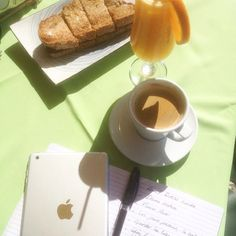 Breakfast, appl, ipad, coffee, fresh orange juice, café