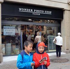 Mejor concepto fotográfico del año: Wonder Photo Shop pixel-depot.com/?p=12949 @WonderBCN @InstaxEs @Instax Fujifilm, Shopping, Concept, Get Well Soon