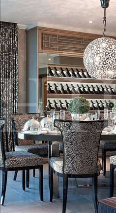 Dining area with bespoke wine display and rotation pendant light © Hill House Interiors Luxury Dining Room, Dining Room Design, Dining Area, Luxury Living, Dining Rooms, Best Interior Design, Luxury Interior, Wine Display, House On A Hill