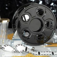 Want to create the Hollywood-themed party you've always dreamed of? Find Hollywood party supplies & ideas to make your event come to life at Shindigz. Old Hollywood Prom, Old Hollywood Theme, Hollywood Party, Hollywood Life, Real Movies, Old Movies, Cinema Themed Wedding, Cinema Party, Hollywood Decorations