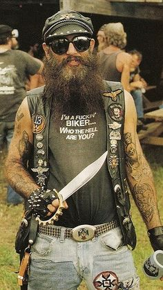 he looks like a pirate hahahahaha not a biker Biker Clubs, Motorcycle Clubs, Vintage Biker, Mode Vintage, Hot Rods, Biker Quotes, Hells Angels, Bike Life, Look Fashion