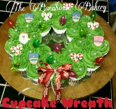 Christmas wreath pull a part cupcakes