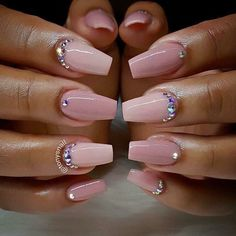 39 Birthday Nails Art Design that Make Your Queen Style fascinating coffin acrylic nails; french ombre nails with gold glitter; Pink Acrylic Nails, Acrylic Nail Designs, Nail Art Designs, Nails Design, Salon Design, Acrylic Art, Birthday Nail Art, Birthday Nail Designs, Birthday Design