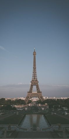 1 million+ Stunning Free Images to Use Anywhere Night Aesthetic, City Aesthetic, Travel Aesthetic, Cute Wallpaper Backgrounds, Aesthetic Iphone Wallpaper, Aesthetic Wallpapers, Eiffel Tower Photography, City Photography, Huawei Wallpapers