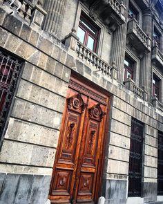 In love with my city -  I ❤️ ���� #cdmx #mexico #mexicocity #sunday #shooting #photography #happy #travelphotography #traveling #traveller #travelgram #me #instagramers #instagram #instagood #instapic #instalike #trip #picoftheday #mylife #lifestyle #enjoy #followme #amazing #weekend #like #follow #travel #urban #goodmorning http://tipsrazzi.com/ipost/1524983425864305966/?code=BUp1FibAA0u