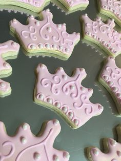 Pink princess crown cookies