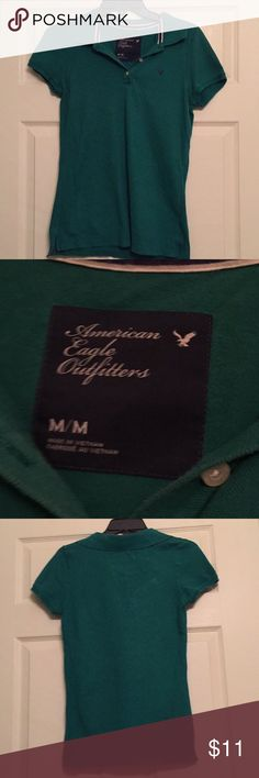 🎀 SALE!! Green American Eagle polo shirt Size M green American Eagle polo shirt. American Eagle logo on left side of shirt. Shirt is gently used and in good condition. American Eagle Outfitters Tops Blouses