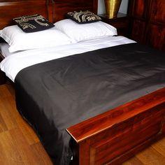 Narzuta na łóżko w kolorze czarnym 230x210cm
