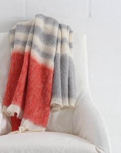 Clarion, one of the Alpaca/Silk throws from the Rhapsody Range by Hinterveld. Mohair Blanket, Afghan Blanket, Knitted Blankets, Baby Blanket Crochet, Throw Blankets, Baby Blankets, Linen Bedding, Bedding Shop, Bed Linen
