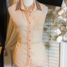 American Rag top Super cute top , great condition, made of polyester American Rag Tops Blouses