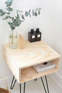 Chic DIY Mid-Century Modern Nightstand / DIY nightstand with hairpin legs Modern Decor, Modern Furniture, Home Furniture, Furniture Design, Modern Couch, Furniture Stores, Diy Furniture Wood, Furniture Plans, Luxury Furniture