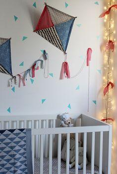 Kite, pipa, papagaio by Mundo de Sofia Futons, Baby Party, Kids Decor, Baby Room, Kid Decor, Parrot, Ideas, Sweet, Party