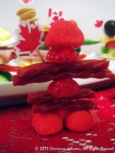 Need food ideas for a Canada-themed party? Make these creative, delicious, and cute Inukshuk appetizers that are inspired by the stone monuments built by the Inuit people! Canada Day Centrepiece, Summer Drinks, Summer Fun, First Birthday Parties, First Birthdays, Canada Day Fireworks, Canada Day Crafts, Canada Day Party, Canadian Food