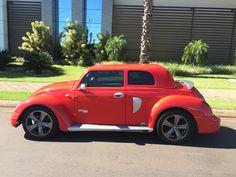 Com a capota a mistura do retrô com o esportivo - Fusca TT Cabriolet - by capotasprocopio.com.br