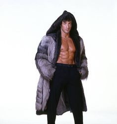 Sylvester Stallone in huge fur coat Hollywood Actresses, Actors & Actresses, Jackie Stallone, Film Pictures, Rocky Pictures, Photos, Silvester Stallone, Punisher Marvel, Hero Movie