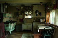 Small Cabin: Interior by Jana (ugobananas), via Flickr