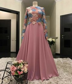 ideas for wedding dresses modest hijab Designer Party Wear Dresses, Event Dresses, Modest Dresses, Stylish Dresses, Long Dress Design, Stylish Dress Designs, Designs For Dresses, Muslim Wedding Dresses, Muslim Dress
