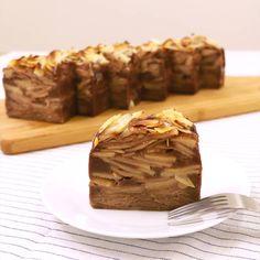 「ガトーインビジブルショコラ」の作り方を簡単で分かりやすい料理動画で紹介しています。ガートーインビジブルショコラのご紹介です。 とても簡単に作れるお菓子なので、料理初心者の方にも楽しく作っていただけると思います、ぜひチャレンジしてみて下さいね。 焼きたても美味しいですが、冷蔵庫でしっかり冷やすと、より一層美味しく召し上がれます。