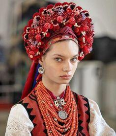 Folk Fashion, Ethnic Fashion, Traditional Fashion, Traditional Dresses, Folklore, Floral Headdress, Ukraine Women, Ethno Style, Ukrainian Dress