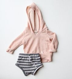 BEACH hoodie // handmade baby/toddler // custom by childHOODS Baby Outfits, Outfits Niños, Toddler Outfits, Fashion Outfits, Baby Girl Fashion, Kids Fashion, Bebe Love, Outfit Trends, Fashion Mode