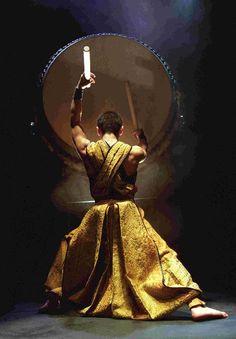 Traditional Taiko Drummers of Japan - waanzinnig gave voorstelling, ben er al een keer of vijf naartoe geweest in Nederlandse theaters