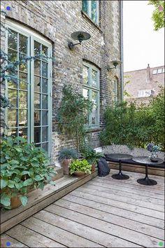 The terrace is inviting and calm. The terrace is inviting and quiet. - The terrace is inviting and calm. The terrace is inviting and quiet. Terrace Design, Garden Design, Patio Design, Back Gardens, Outdoor Gardens, Rooftop Gardens, Outdoor Balcony, Townhouse Garden, Outdoor Living